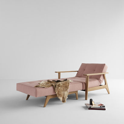 pink daybed