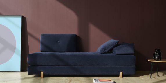 SIGMUND-DAYBED-OAK-LEGS-541-VELVET-DARK-BLUE-1